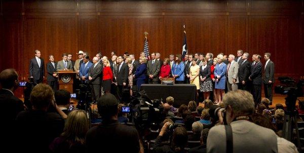 La-na-nn-rick-perry-texas-abortion-bill-201307-002
